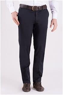 Elastische katoenen chino broek van Plus Man.